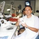 Dr-Raimondo-nel-laboratorio-di-protesi
